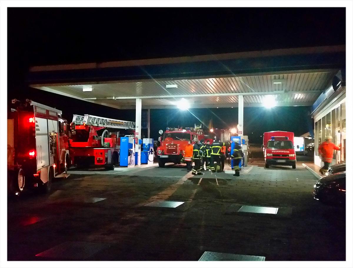Wenn die Feuerwehr tanken muss...