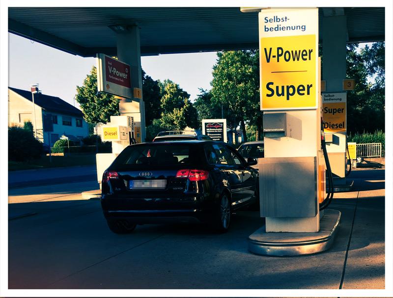 Tankstellen-Einkäufer in Buchen