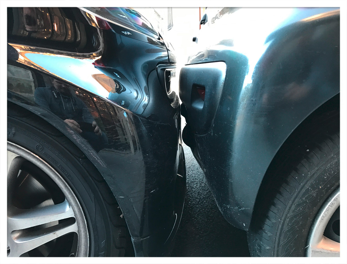 Smart Brabus vs. Peugeot 107
