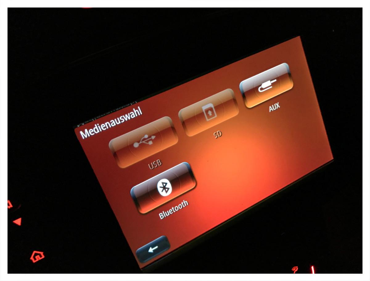 JBL ohne CD-/DVD-Laufwerk