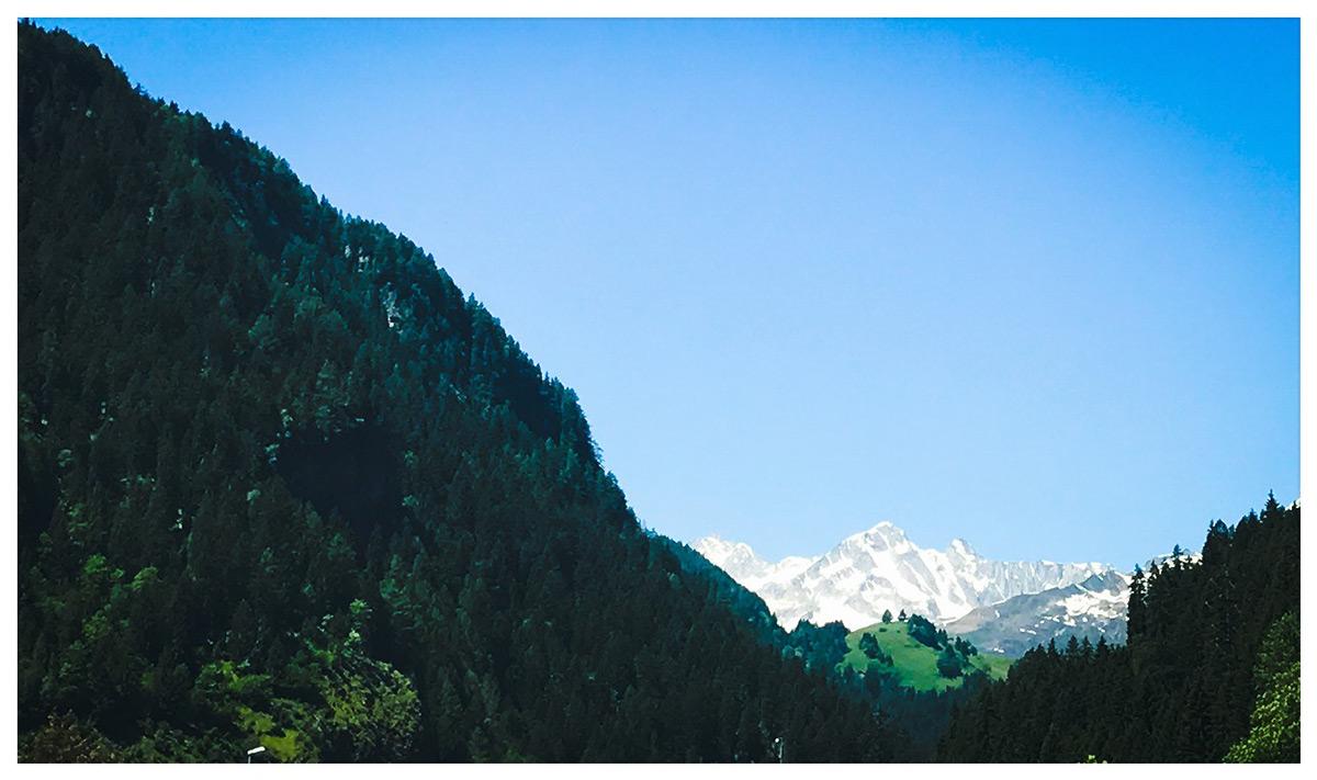 Blick auf die Alpen - vor dem Gotthard-Tunnel