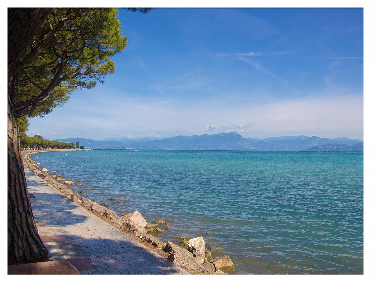 Der Lago die Garda bei Peschiera