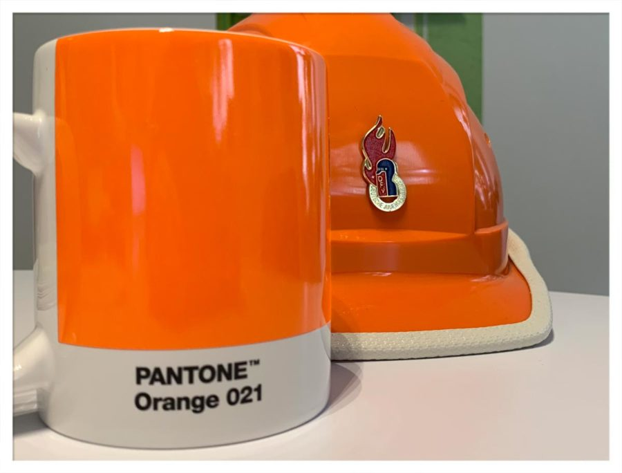 Jugendfeuerwehr-Orange = Pantone Orange 021